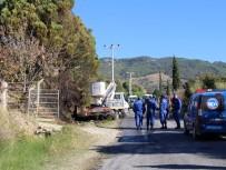 YÜKSEK GERİLİM - Ağaçta Kozalak Toplayan Vatandaş Elektrik Akımına Kapılarak Öldü
