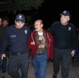 Aranan Suçlular Parkta Oturdukları Sırada Polise Yakalandı