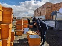 PROPOLIS - Arıcılar Birliği'nden Arı Yetiştiricisine 815 Bin TL'lik Malzeme Desteği