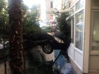 KADIN SÜRÜCÜ - Beşiktaş'ta Bir Garip Kaza