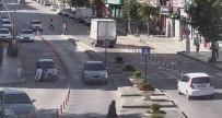 Cep Telefonu İle Konuşurken Karşıya Geçen Yayaya Otomobil Çarptı