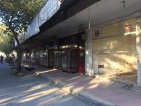 SEMT PAZARI - Eski Şire Pazarı Mahalle Sakinlerini Tedirgin Ediyor