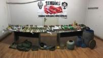 EL BOMBASI - Hakkari'de Çok Sayıda Mühimmat Ele Geçirildi