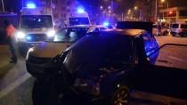 Kaza Yaptığı Aracını Olay Yerinde Bırakıp Kaçtı