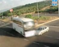 Otobüsün Otomobile Çarptığı Anlar Kamerada