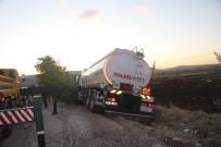 Yakıt Tankeri Radar Aracına Çarptı Açıklaması 1 Polis Yaralı