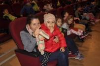 Arguvan'da Tiyatro Gösterimine Çocuklardan Büyük İlgi