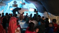 İDLIB - Suriye'de 200 Bin Çocuk Çadırlarda Eğitim Görüyor