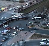 ÖĞRENCİ SERVİSİ - Tramvay Öğrenci Servisine Çarptı Açıklaması 6 Yaralı