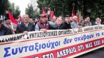ATINA - Yunanistan'da Emeklilerden 'Kesintiler İptal Edilsin' Talebi
