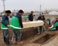 SEYRANTEPE - Kaçak Göçmenler Kimsesizler Mezarlığına Defnedildi