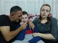KAS HASTALIĞI - Kas Hastalığı 14 Yaşındaki Kubilayı Yatağa Bağladı