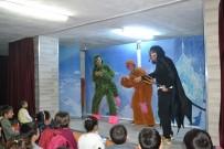 ÇOCUK TİYATROSU - Şuhut'ta 300 Minik Öğrenci İlk Kez Tiyatro İle Tanıştı