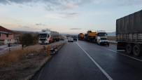 Yol Kenarındaki Çöp Konteynırı Sürücüyü Ölümden Kurtardı