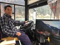 ERHAN ÇELİK - Yolcu Otobüsünü Canlı Yayın Aracına Dönüştürdü