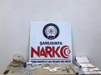 TÜRK LIRASı - 8 Suçtan Aranan Cezaevi Firarisi 5 Kilo Eroinle Yakalandı