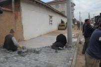 HÜRRİYET MAHALLESİ - Aslanapa'da Alt Yapı Çalışmaları