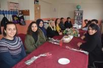 GÖNÜL ELÇİLERİ - 'Gönül Elçileri'nden Köy Okulu Ziyaret Etti