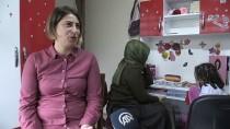KÜÇÜK KIZ - Gönüllü Öğretmenler 'Okulu' Akciğer Hastası Zülal'ın Ayağına Götürüyor
