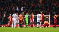 ÇEYREK FİNAL - Muslera, Galatasaray İle 300. Maçına Çıktı