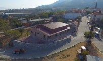 HÜSEYIN YARALı - Saruhanlı Belediyesi Çamlıyurt Mahallesine Düğün Salonu Yaptı