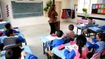 FIRAT KALKANI - Sınırın Fedakar Öğretmeni Öğrencilerine Umut Oldu