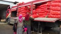 PAZARCI ESNAFI - Soğan Stokçuları Ve Soğandaki Mantar Hastalığı Esnafı Da Olumsuz Etkiledi