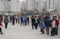 ÇEYREK FİNAL - Sporcular Attı, Sokaktakiler İzledi
