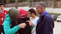 YAYLADAĞI SINIR KAPISI - Suriyeli Kız İle Ailesinin Sınırda Mutluluktan Ağlatan Kavuşması