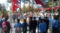 OYUN HAVASI - Ulukışlalı Öğrenciler Huzurevi Sakinleriyle Buluştu