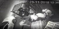 SEFAKÖY - Dakikalar İçerisinde 150 Kiloluk Çelik Kasa İle Kaçtılar