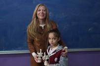 Iraklı Fethiye'den Şarkılı Öğretmenler Günü Kutlaması