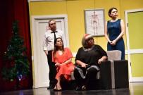 SELIM YAĞCı - 'Kaç Baba Kaç' Tiyatro Oyunu İçin Salon Doldu Taştı