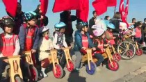 İZMİR MİLLİ EĞİTİM MÜDÜRÜ - Öğretmenler, Öğrenci Ve Velilerle Pedal Çevirdi