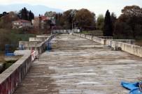 KARAYOLLARı GENEL MÜDÜRLÜĞÜ - (Özel) Bin 500 Yıldır Ayakta Duran Justinianus Köprüsü'nde Hamam Yapısı Ortaya Çıktı