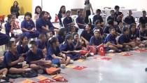 GÖLGE OYUNU - Taylandlı Çocuklara 'Arkadaşım Türkiye' Etkinliği