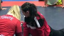 SAVAŞÇı - Balkan Şampiyonu Büşra, Azmiyle Ön Yargıları 'Tuş' Etti