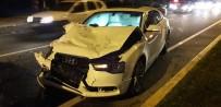 LÜKS OTOMOBİL - Şanlıurfa'da Trafik Kazası Açıklaması 3 Yaralı
