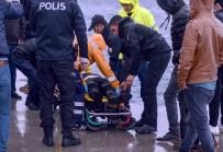 DENİZ POLİSİ - Denize Düşen Turist Polis Ekipleri Tarafından Kurtarıldı