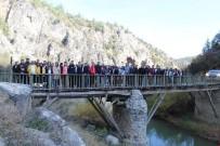 AHMET ÖZTÜRK - 'Eğrigöz Köyü İki Taş Kanyonu' Ziyaretçilerini Bekliyor