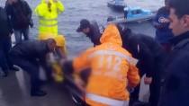 DENİZ POLİSİ - Fatih'te Denize Düşen Kişi Kurtarıldı
