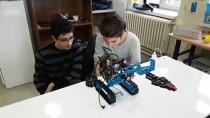 ŞÜPHELİ PAKET - Kas Hareketleriyle Kontrol Edilen Bomba İmha Robotu Geliştirdiler