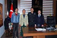 DEVLET MEMURLARı - Kaymakam Nasır'dan Başarılı Polislere 'Başarı Belgesi'