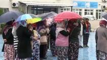 YAĞCıLAR - Manisa'da Öğrenci Velilerinden Okula 'Sınıflar Kalabalık' Tepkisi