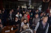 AZERI - (Özel) Uludağ'ı Gezmek Görmek İsteyen Turistler Teleferikte Uzun Kuyruklar Oluşturdu