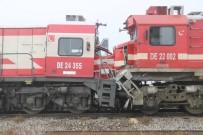 TREN İSTASYONU - Sivas'ta Yolcu Treni İle Yük Treni Çarpıştı Açıklaması 14 Yaralı