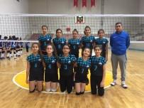 VOLEYBOL TAKIMI - Voleybol Kulüplü Midi Kızlarda 3.Hafta Geride Kaldı