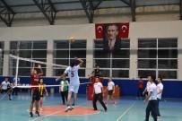 Voleybol Turnuvasında Şampiyon İlçe Milli Eğitim Oldu