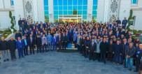 SELAHATTIN GÜRKAN - Belediye Çalışanlarından Gürkan'a Coşkulu Karşılama