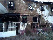 AHŞAP EV - Bursa'da Tarihi Ev Alevlere Teslim Oldu